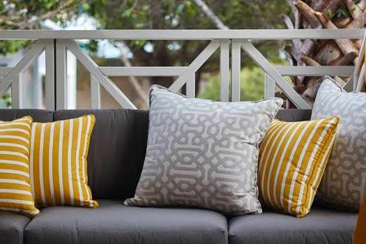 Almofadas decorativas em oferta