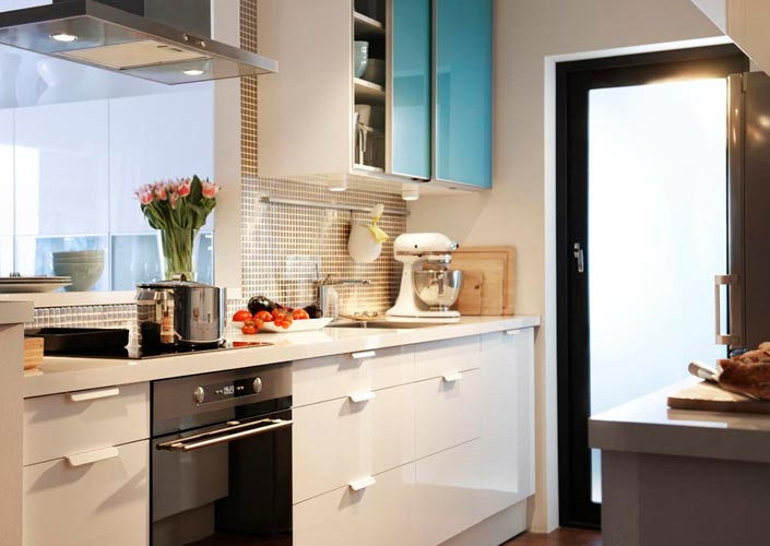 Cozinha decorada com muito bom gosto